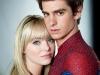 emma-stone-andrew-garfield-spider-man-embrace
