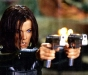 kate-beckinsale-guns-underworld-4-the-awakening