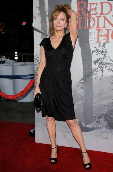 http://www.clattoverata.com/wp-content/gallery/red-riding-hood-premiere/rebecca-de-mornay-red-premiere.jpg