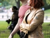 scarlett-johansson-jeremy-renner-park-avengers