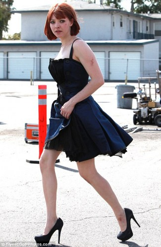 Amanda_Seyfried_Mortal_Dress