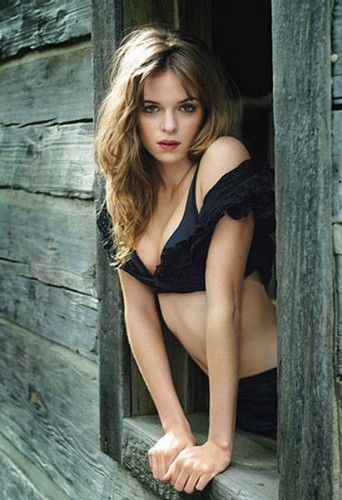 danielle-panabaker