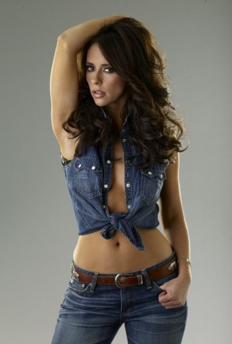 Jennifer-Love-Hewitt-belly