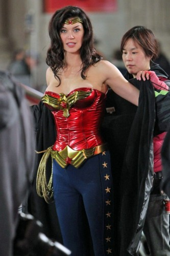 adrianne-palicki-wonder-woman-new-costume-2