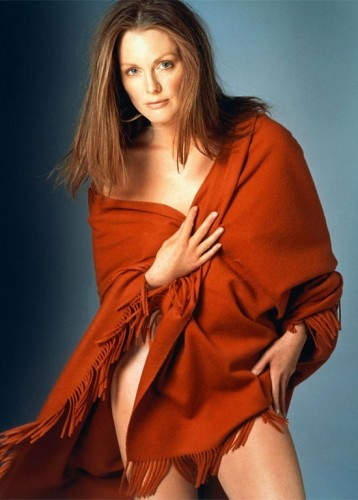 julianne-moore-half-nude
