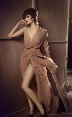 Gemma-Arterton-leggy