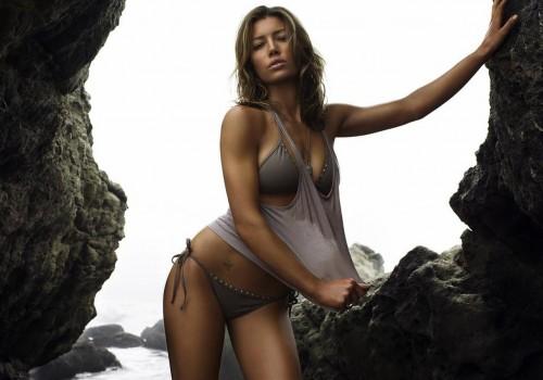 jessica_biel_hot-bikini_total-recall