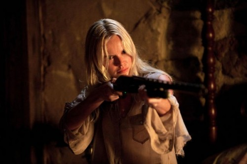 kate-bosworth-straw-dogs-gun