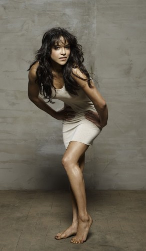 Michelle-Rodriguez-Barefoot