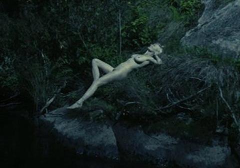 kirsten-dunst-nude-melancholia
