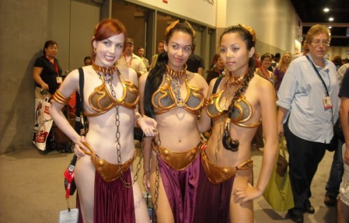 Slave-Leias-Comic-Con-2010