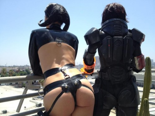 Adrianne-Curry-Butt-Shot-Super-Fans