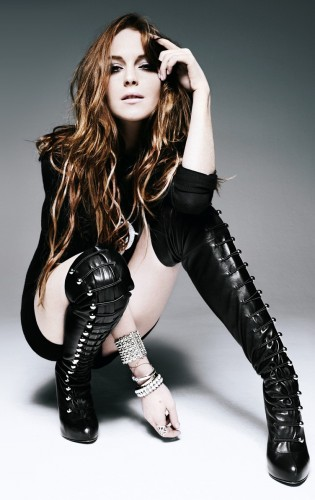 lindsay-lohan-sexy-boots