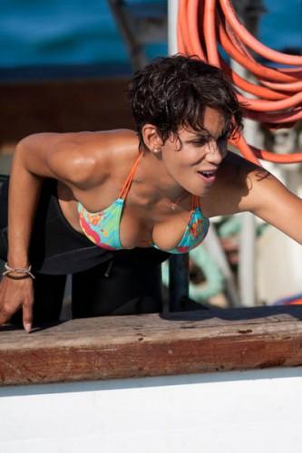Halle-Berry-Bikini-Top