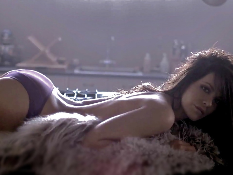 Kate Beckinsale Panties 74