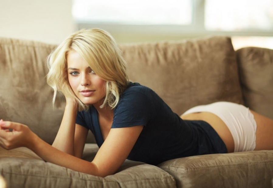 Will wolf of wall street star margot robbie go nude in z for