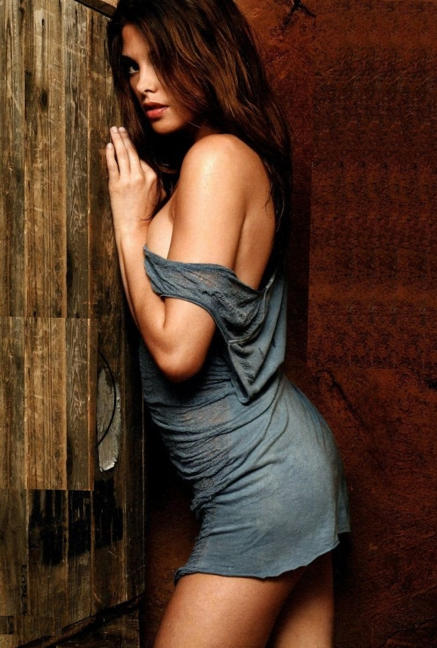 Ashley Greene b...