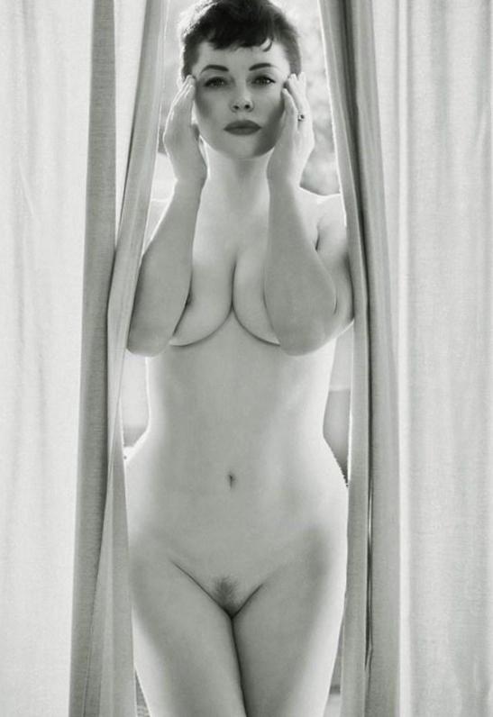 nude posers