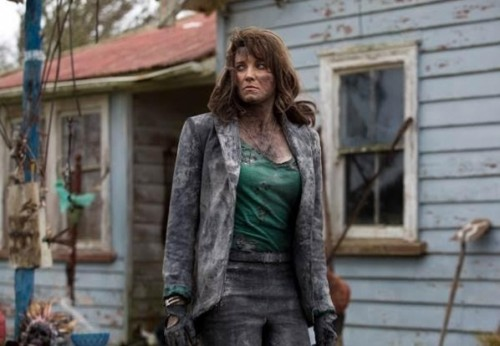 Lucy-Lawless-Evil-Dead