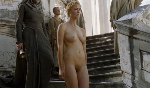 Madonna foto desnuda frontal completa