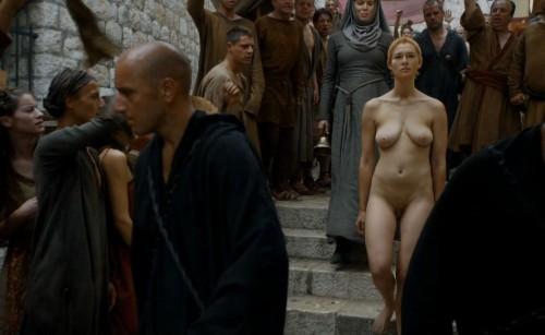 Cersei-Lannister-Nude-Walk-Shame