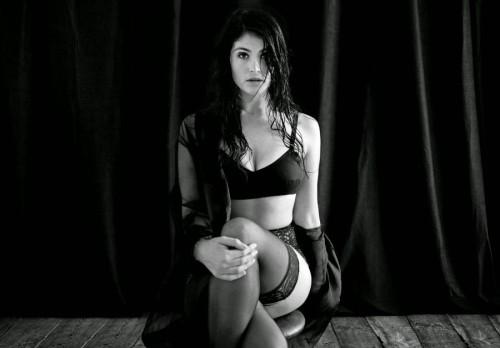 Gemma-Arterton-sexy