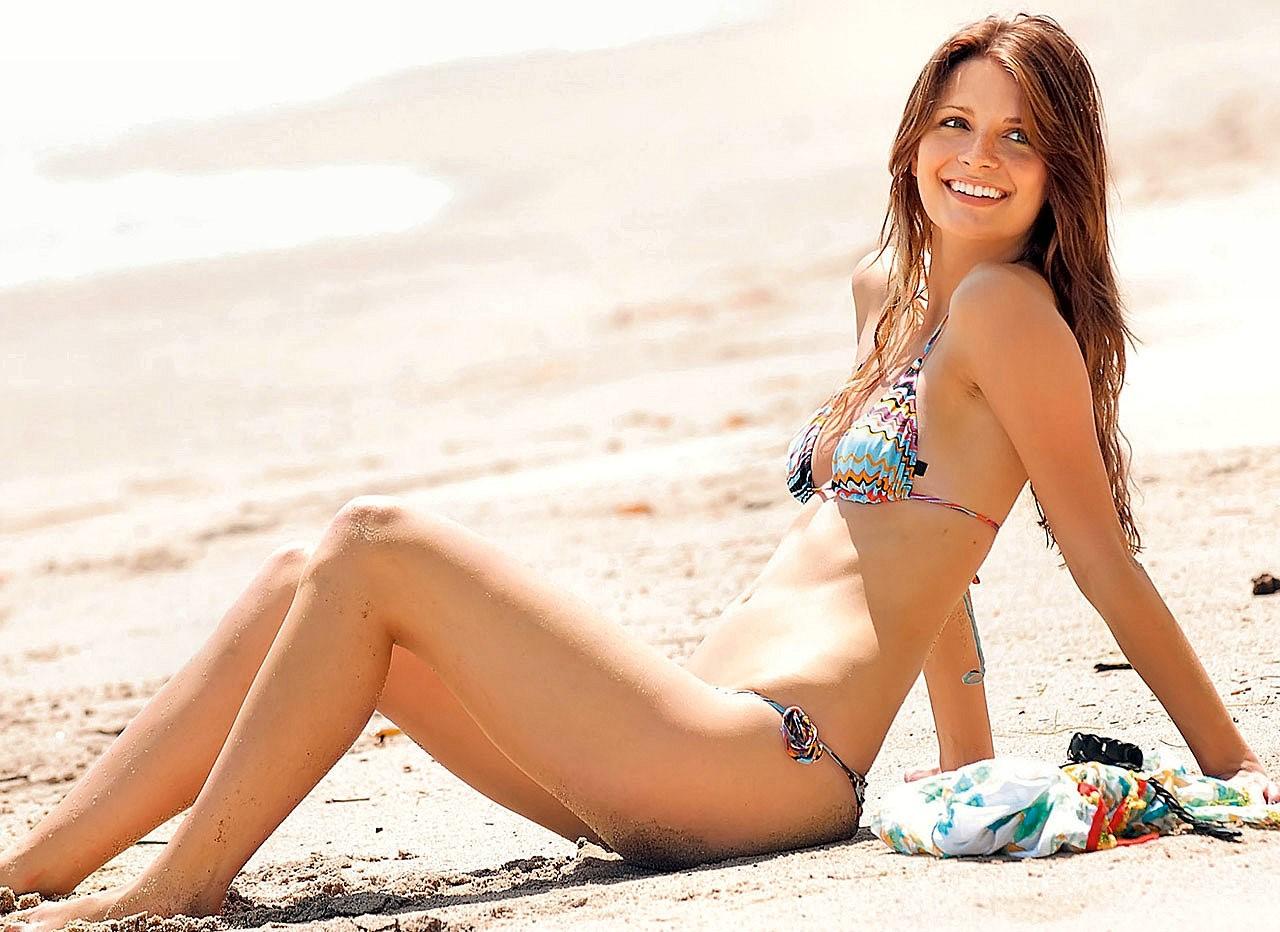 mischa_barton_bikini