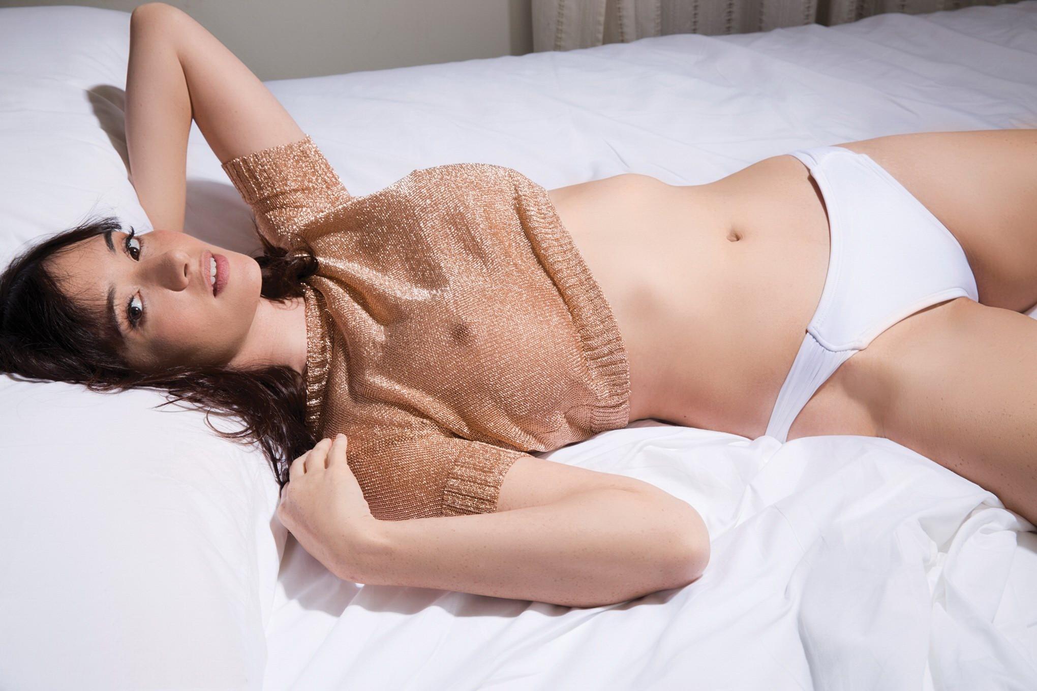 Barbara crampton nude boobs and sex in reanimator movie 10