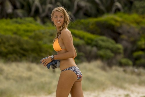 Blake-Lively-Bikini-The-Shallows