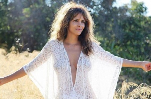 halle-berry-semi-nude-topless