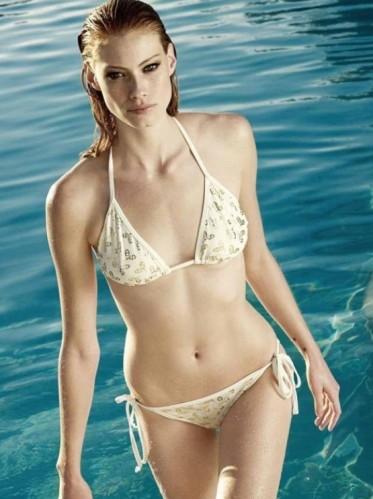 Alyssa-Sutherland-Bikini