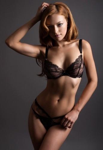 Francesca-Eastwood-hot