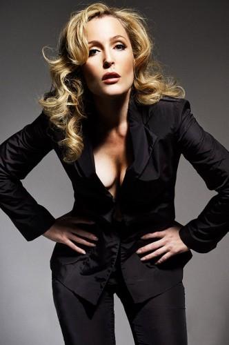 Gillian-Anderson-hot