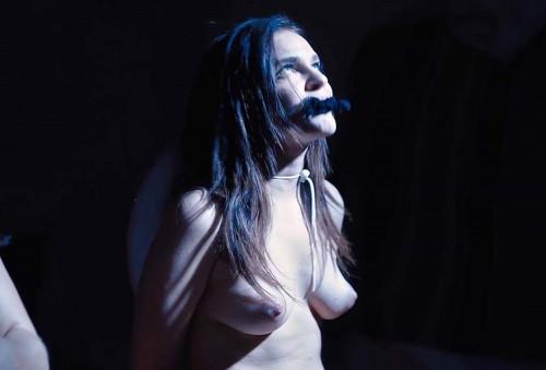 Madeline-Brewer-nude