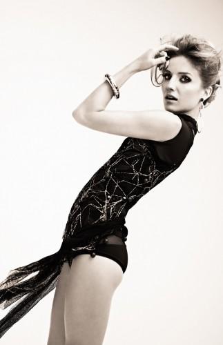 Annabelle-Wallis-hot