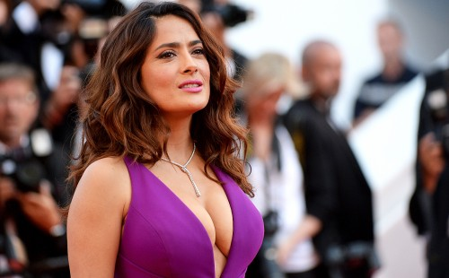 salma-hayek-boobs